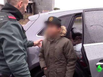 Imagen del niño auxiliado por la Guardia Civil en Burgos