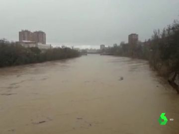 El río Pisuerga se desborda a su paso por Valladolid