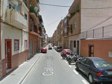 Imagen de la Calle Águila, en Alicante, dónde ha ocurrido el incendio.