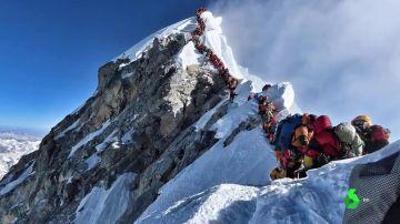 Las nuevas (y estrictas) normas que debes saber si quieres subir el Everest