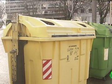 ¿Cómo acabaron en una calle de Vigo las 140 cajas de medicamentos que dejaron a un menor en coma?