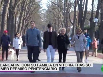 Urdangarin pasea por Vitoria junto a la infanta Cristina en su primer permiso penitenciario