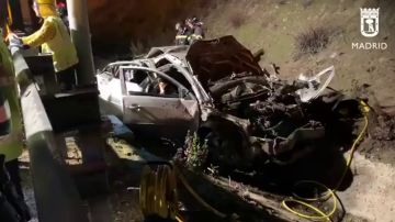 El estado en el que ha quedado el vehículo tras el accidente que se ha saldado con la vida de tres jóvenes