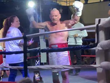 Albert Hughes Jr., tras ganar su combate