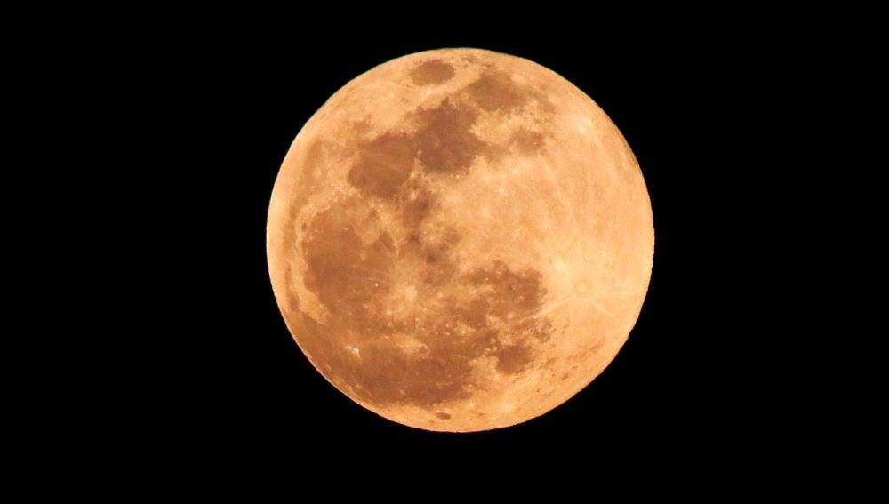 Cómo y cuándo ver el eclipse lunar hoy viernes 5 de junio desde España