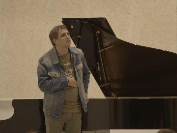 Eric sueña con cantar con su artista favorito