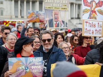Joaquin Phoenix en una manifestación en Washington