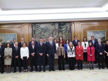Foto de familia del nuevo Gobierno publicada por la Casa Real en Twitter