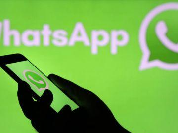 Timo en WhatsApp: este es el mensaje que promete el modo oscuro y no funciona