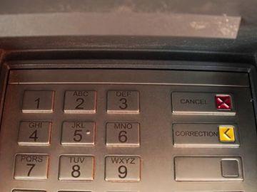 La Guardia Civil advierte: si el cajero no te da el dinero, puede ser un fraude