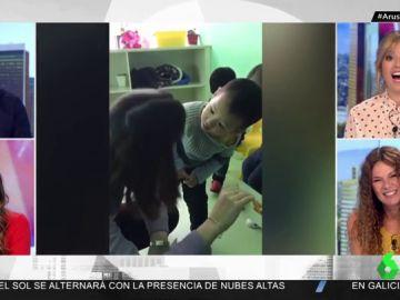 La hilarante reacción de un niño chino al ver por primera vez a una profesora occidental