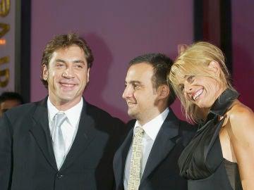 Alejandro Amenábar, director de 'Mar Adentro', junto con Belén Rueda y Javier Bardem