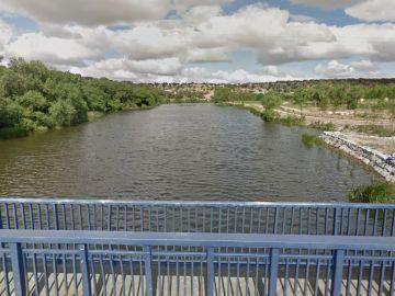 El puente desde el que el hombre habría lanzado al perro, en Villamayor de Armuña, Salamanca.
