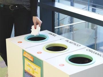 Módulos de reciclaje en las oficinas de Madrid