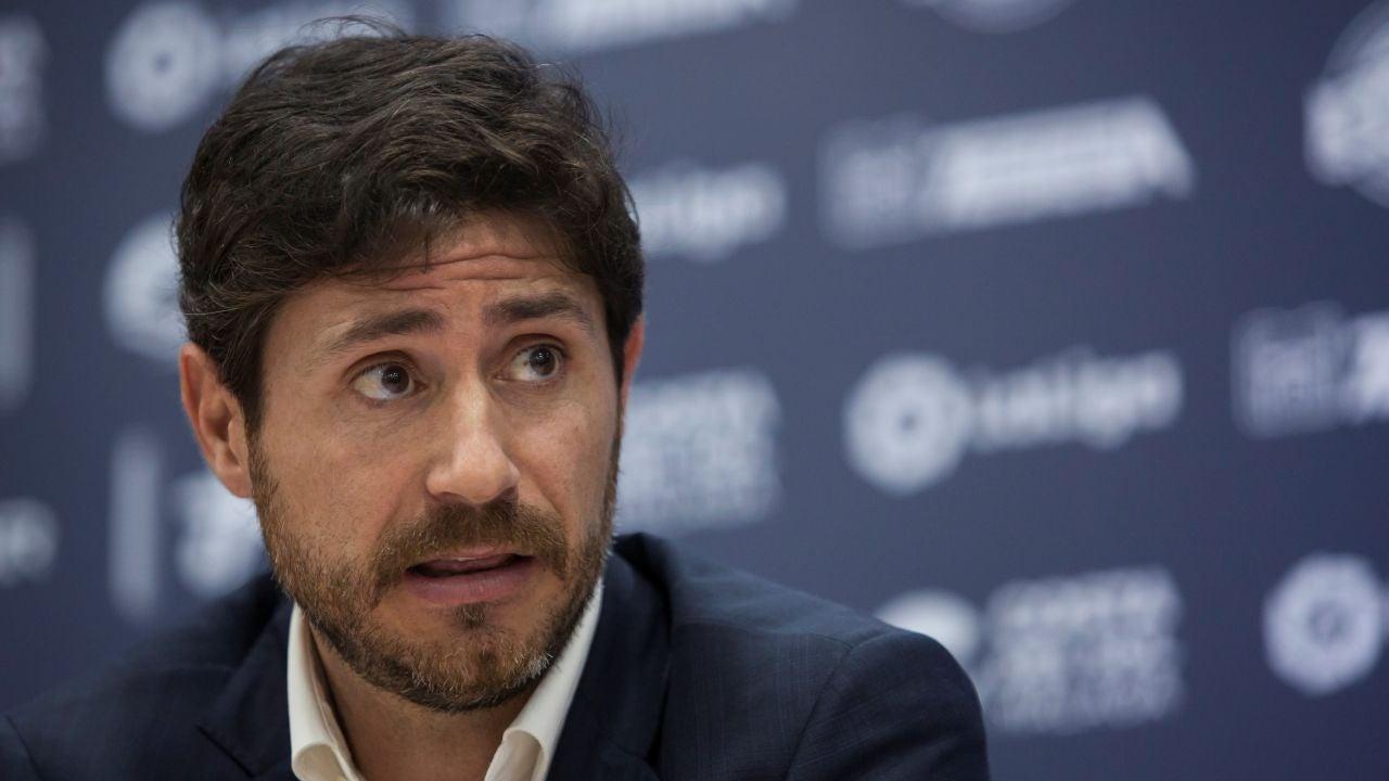 Víctor Sánchez del Amo comparece ante los medios