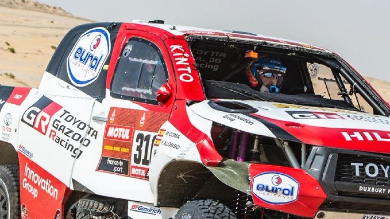 Fernando Alonso y Marc Coma, durante la décima etapa del Dakar