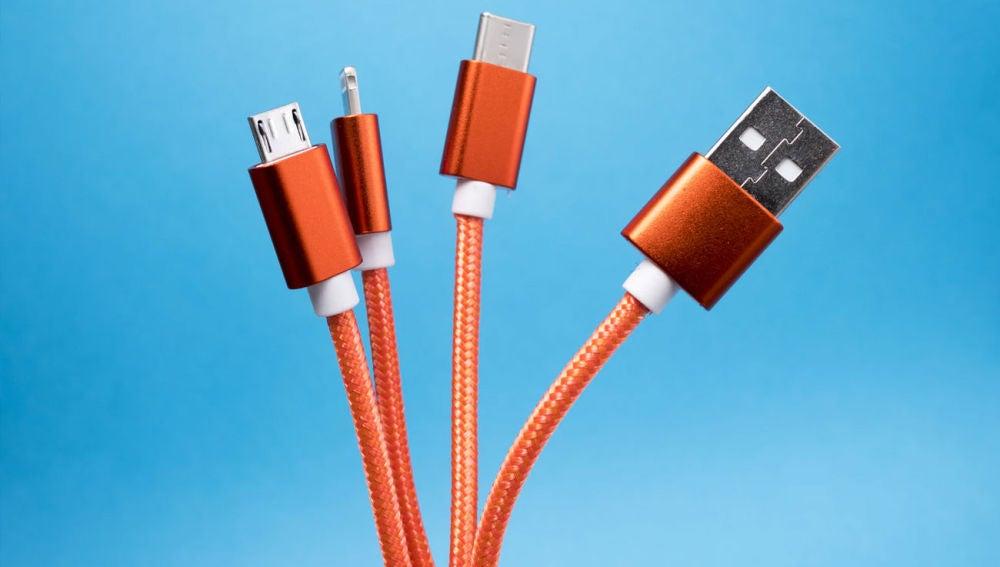 La UE quiere un único cable para cargar todos los móviles.