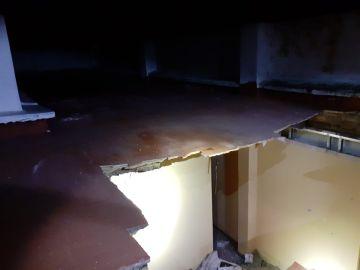 El derrumbe del techo de una vivienda en Aldaia