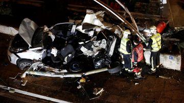 El coche donde viajaban el menor fallecido y dos de los heridos