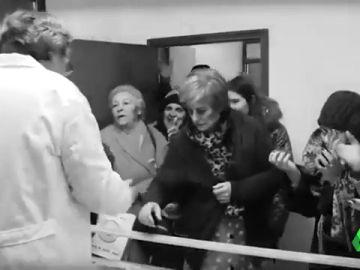 Burgos tira de humor y cine mudo para denunciar la falta de atención sanitaria: hay ocho médicos para 23 pueblos