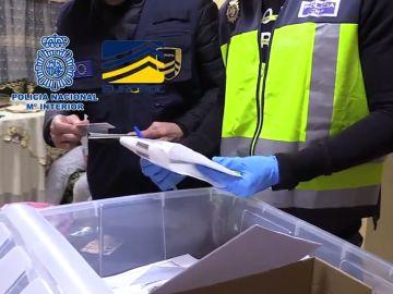 Agentes de la Policía en la operación