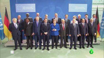 La conferencia internacional sobre Libia acuerda el alto el fuego y el embargo de armas