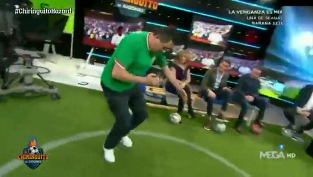 La aplaudida imitación de Tomás Roncero del entrenamiento de Eden Hazard