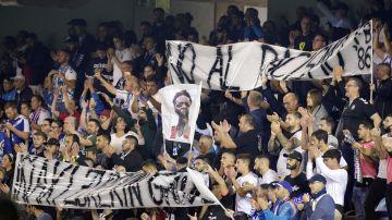 El Heliodoro Rodríguez López muestra pancartas en apoyo a Iñaki Williams