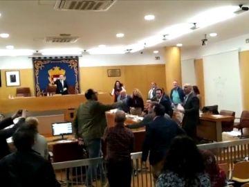 Monumental bronca en la Asamblea de Ceuta entre Caballas y Vox