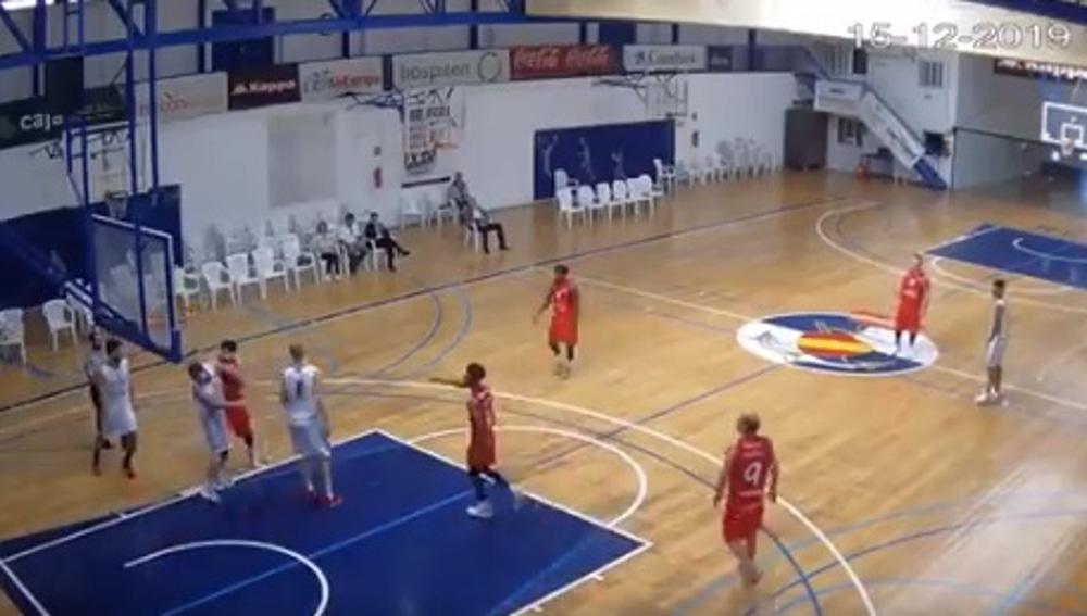 Agresión en un partido de baloncesto canario.