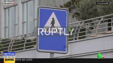'Pasos de peatonas': las revolucionarias señales de tráfico con siluetas de mujeres para combatir los estereotipos de género