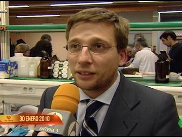 """El sorprendente vídeo de Martínez Almeida y su """"barba de canallita"""" en 2010: """"Si subes esa foto arden las redes"""""""