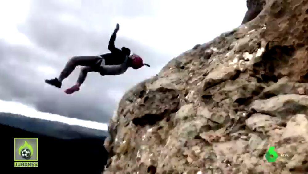 Álex Villar, el saltador base más extremo, vuela junto a Jugones: así prepara sus saltos