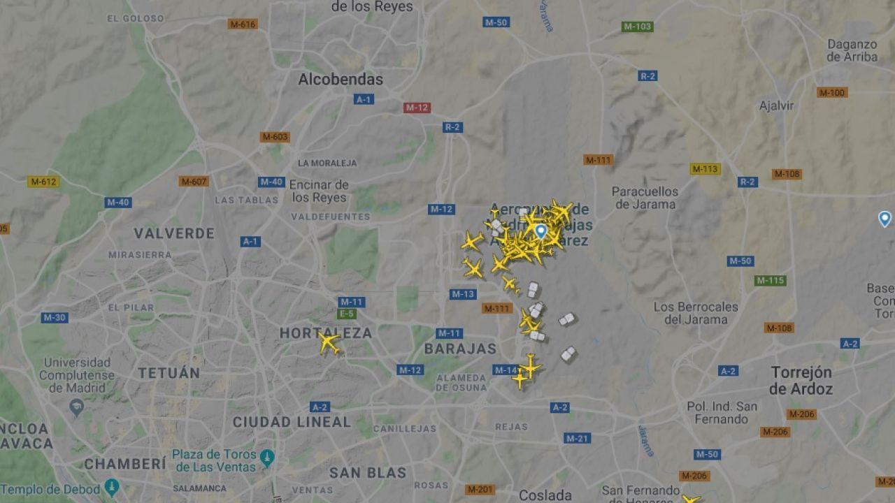 Mapa En Tiempo Real De Los Vuelos En El Aeropuerto De Barajas Tras El Cierre Del Espacio Aéreo Por Drones