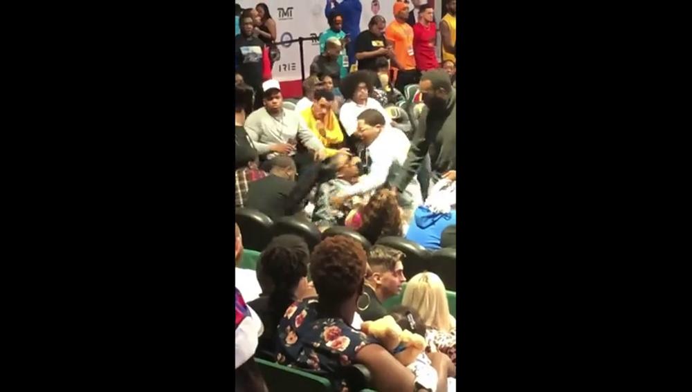 Graban al campeón mundial de boxeo Gervonta Davis agarrando del cuello a la madre de su hijo