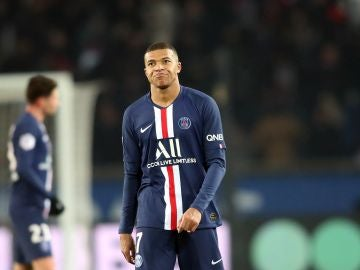 Mbappé, contrariado durante un partido del PSG
