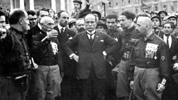 Benito Mussolini durante la marcha sobre Roma en 1922