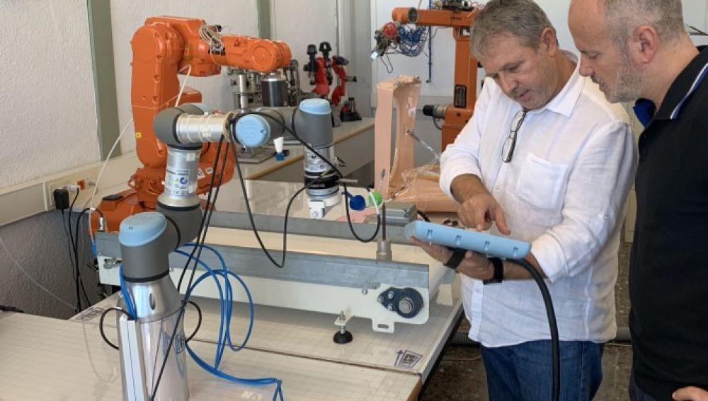 Un brazo robotico para asistir en operaciones de utero