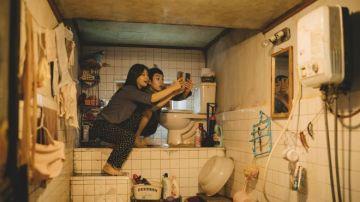 Escena del arranque de la película 'Parásitos', el fenómeno del año