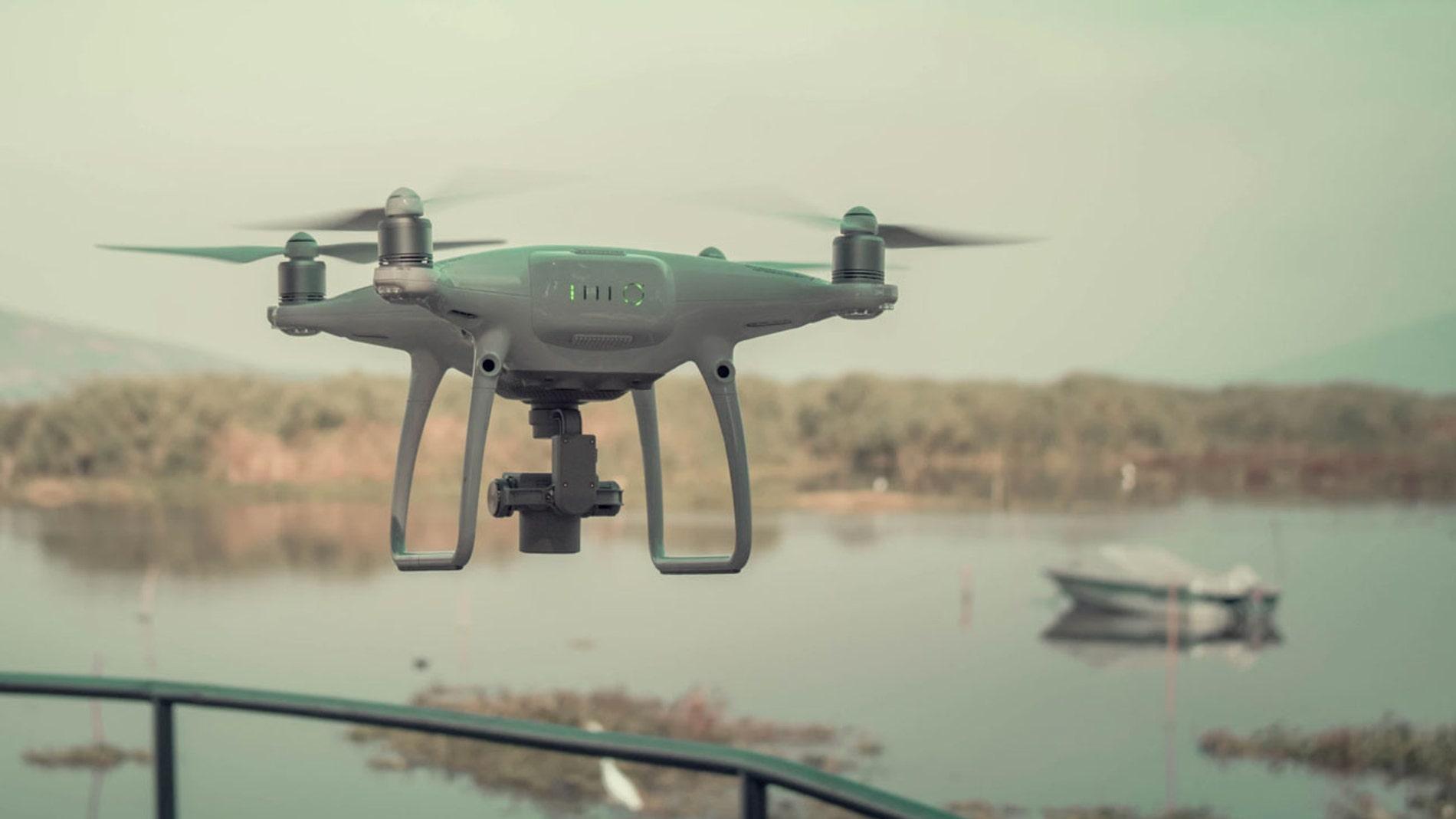 Drones para labores de vigilancia.