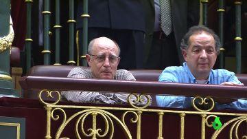 """La emoción de Ángel Hernández al ver en el Congreso la ley por la que tanto sufrió su mujer: """"Cruzaremos el río de la sinrazón"""""""