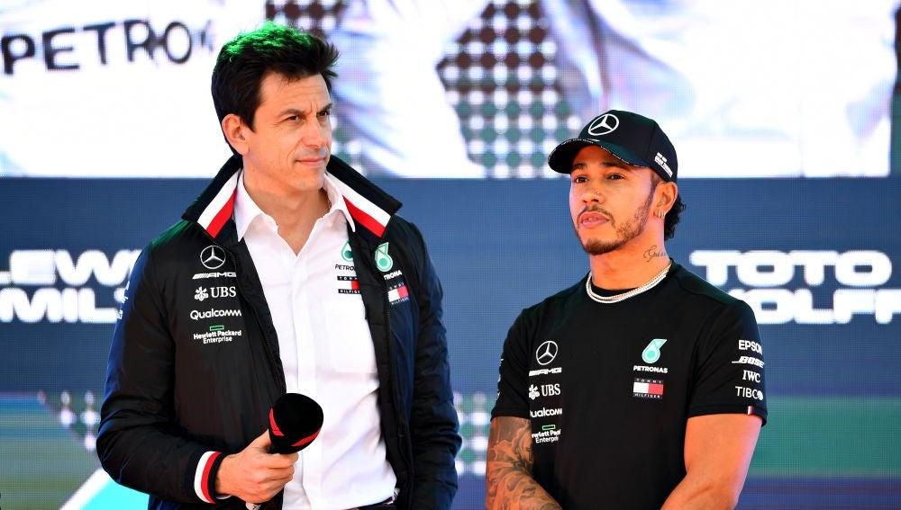 """Jenson Button, sobre el futuro de Lewis Hamilton en Mercedes: """"No ..."""