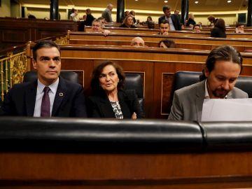 Pedro Sánchez, Carmen Calvo y Pablo Iglesias