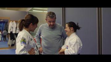 """Andrea se lleva la sorpresa de su vida al conocer a su ídolo, la karateka Sandra Sánchez: """"¡Te sigo por Instagram!"""""""