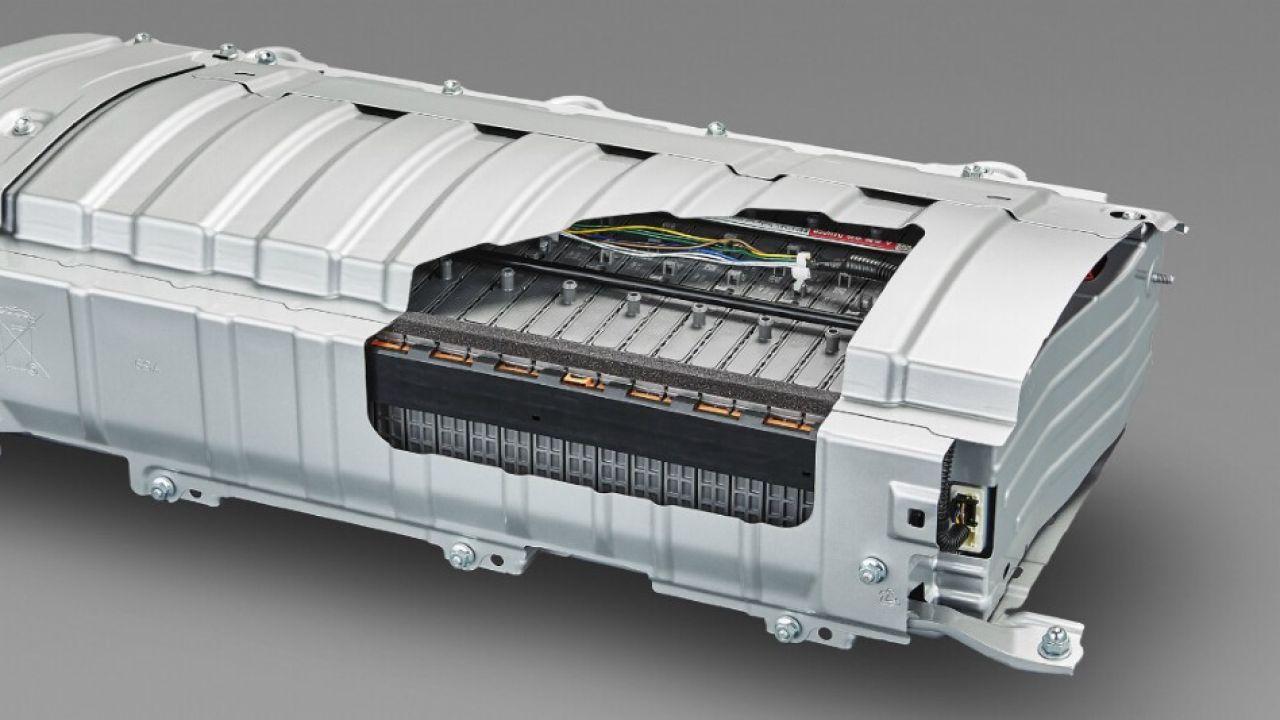 Toyota y Panasonic unen fuerzas: harán baterías prismáticas y de estado sólido