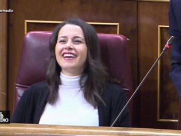 Vídeo manipulado - El sarcasmo de Edmundo Bal provoca un siniestro ataque de risa a Inés Arrimadas