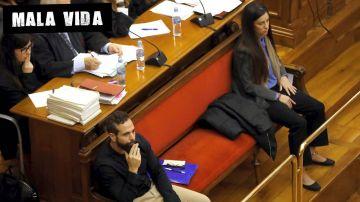 Albert López y Rosa Peral, acusados de asesinato, durante el juicio
