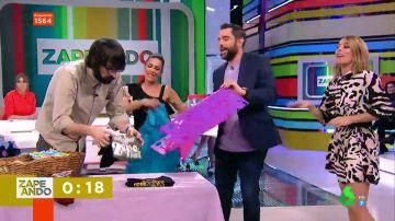 Lorena Castell vence a Quique Peinado doblando camisetas al ritmo del 'coronavirus, coronavirus'