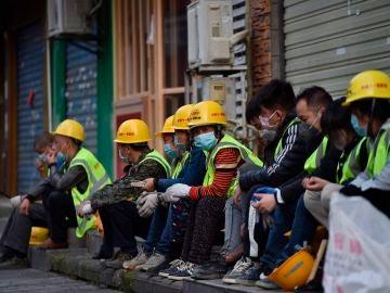 Operarios en Wuhan