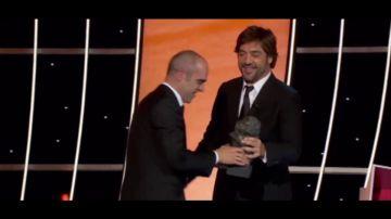 Esta es la reacción de Santiago Cobos al ver a Luis Tosar recoger el Goya por Malamadre